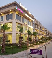 The 10 Best Restaurants Near Dasaprakash, Vrindavan - TripAdvisor