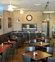 The Holiday House Restaurant Top Rated Breakfast Lunch & Dinner