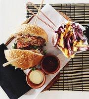 Ficka Restaurant / Cafe