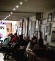 Makani Cafe, Bar & Lounge