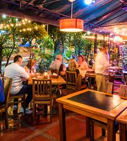 Al Rojo Restaurant