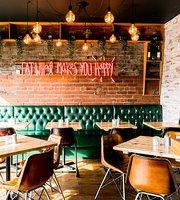 Residence 74 Cafe & Bar