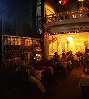 Douangdeuane Restaurant