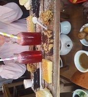 The Hay Loft Cafe