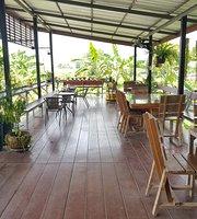 Café Bai Bua