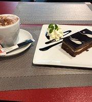 "Creperie Cafe ""Mon Cherie"""