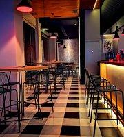 Square 16 Burger Restaurant