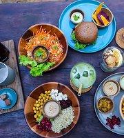 Nourish Eatery
