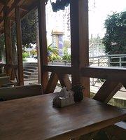 Dining Room Flora