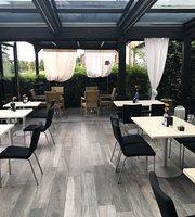 Romeo cafe restaurant