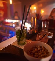 Monkey Bar&Lounge