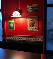 Harat's Irish Pub