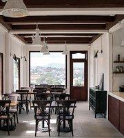 Tiem Cafe Thang 3