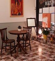 Cafe 8½