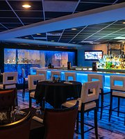 Royal Catch Bar & Grill