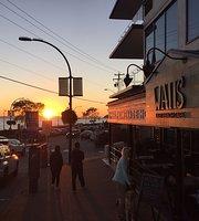 Watts East Beach Cafe