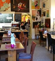 Vietnam House Gallery Cafe (Food served all day)