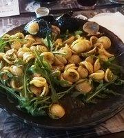 Thaddeus Irish Pub & Grill