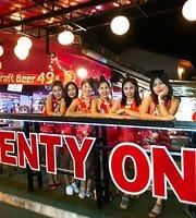 Bar 21 & Restaurant Patong