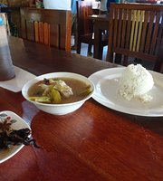 Jencas B4 Laiya Lomi n Food House