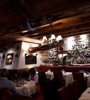 Au Petit Chalet Restaurant