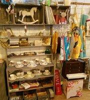 Lisa's Vintage Tea Room