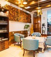 Ollantay Hostal y Cafe