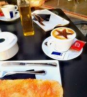 Coffee & Coo.