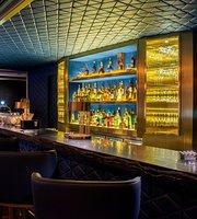 Club Bar at Hilton Kota Kinabalu