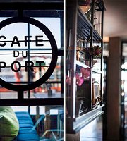 Cafe du Port at the Hotel Limani