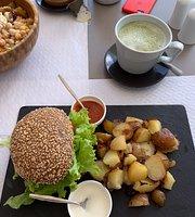 Kirana Café