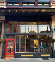 Lamplighter Cafe and Lounge
