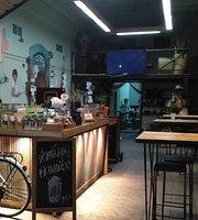 Sang Whan Souvenir Cafe