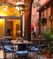 Blackmarket Hall - Rione Monti