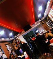 Timeless Pub
