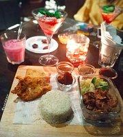 Moonshine - Dine & Lounge