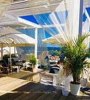 No33 Di Vinegre Beach Bar