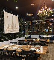 Centre Thai Cafe & Restaurant