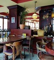 Cafe Oktober Harburg