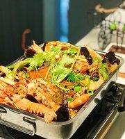 La Queen Hot Pot Korean BBQ