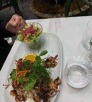 Moana restaurant and bar