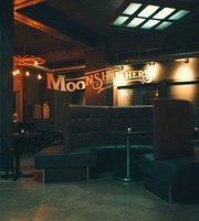 Moonshin'hers Café Bistro Inc.