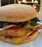 Abbey Road Burgers, Bar & Cafe