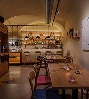 Atelier Cocktail Bar & Bistro
