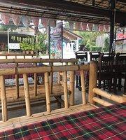 Street Hut Restaurant