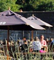 No. 10 Tea Gardens