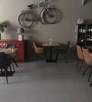 Cote Patio La Table