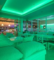Phuket Airport Suites and Lounge Club 96