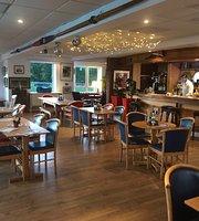 Rowing Club Bar & Cafe