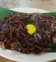Kuala Lumpur Petaling Street Charcoal Fried Hokkien Mee